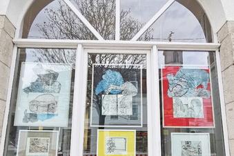 Dresden: Neue Ausstellung in Parkhotel-Fenstern