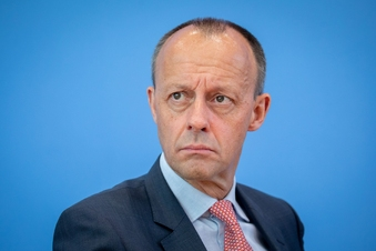 Merz greift Merkel nach CDU-Debakel an