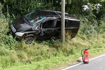 Kollision mit Strommast: Autofahrerin bei Leisnig verletzt