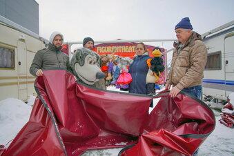 Schnee zerstört Theaterzelt in Dresden