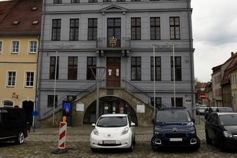 Schiebock: Kostenlos parken vorm Rathaus