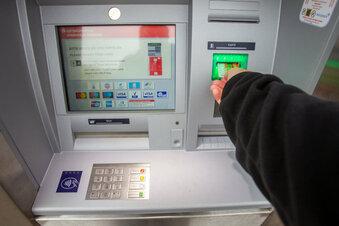 Sparkassen-Konten kosten bald mehr
