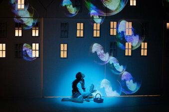 Theater startet mit Varieté-Atmosphäre in die Spielzeit
