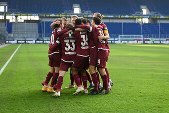Dynamo gewinnt klar in Duisburg