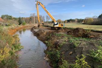 Behandlungsanlagen und ein Flussausbau