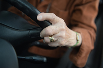 Ältere Autofahrer stärker reglementieren?