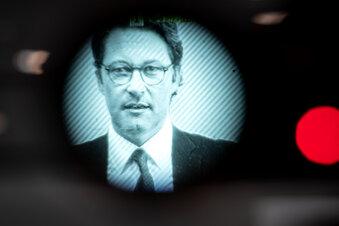 Scheuer behindert Maut-Untersuchung