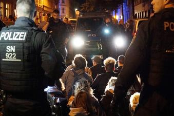 Polizisten bei Demo in Leipzig verletzt