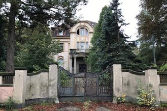 Zwangsversteigerung: Wer hat eine Idee für diese Villa?