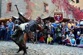 Kriebstein: Mehr als 2.000 Besucher wollen die Ritter raufen sehen