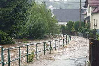 Steinigtwolmsdorf: Acht Millionen Euro Schaden nach Hochwasser