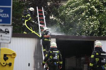 Gasbrenner entfacht Feuer in Garage