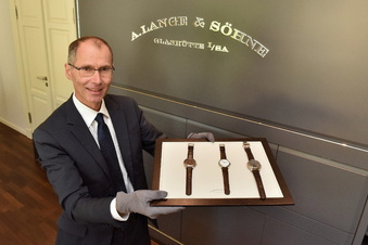 Uhrenfirma Lange beendet Kurzarbeit