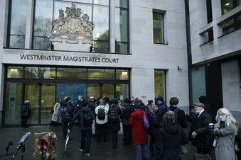 Assange muss im Gefängnis bleiben