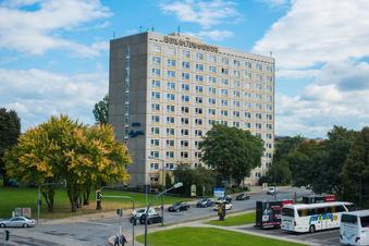 Hotel am Terrassenufer soll neue Fassade bekommen