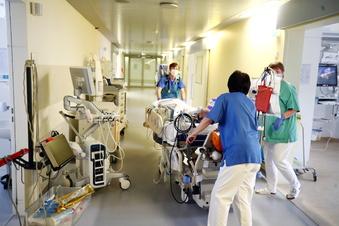 Corona: Erste Klinik in Sachsen im Notbetrieb