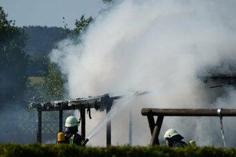Hochkirch: Schuppen brennt ab