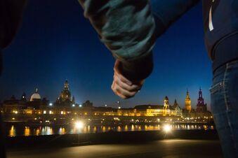 Menschenkette, Mahngang, Gedenken