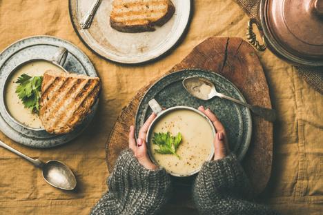 Selleriesuppe mit Winter-Gewürz