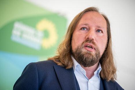 Heftige Kritik an Hofreiters Bahn-Plänen