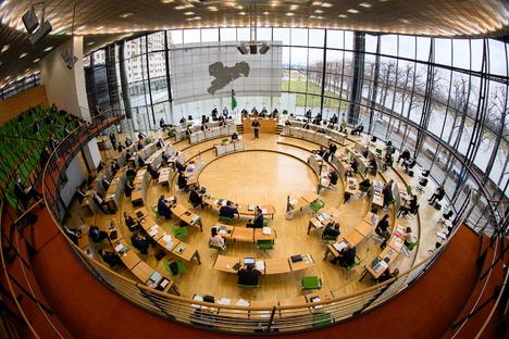 Sachsen: Sachsens Landtag verschiebt Diätenerhöhung