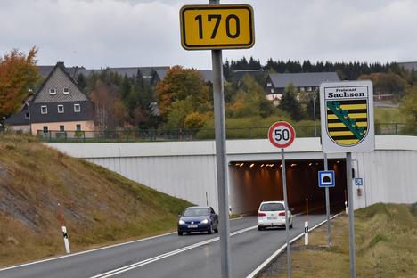 B170 in Zinnwald halbseitig gesperrt