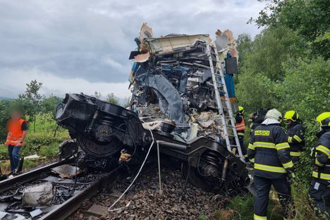 Deutschland & Welt: Tote und Verletzte bei Zugunglück in Tschechien