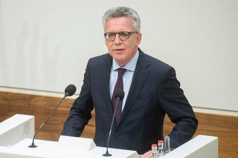 "Dresden: De Maizière: ""Pegida darf nicht der Taktgeber sein"""