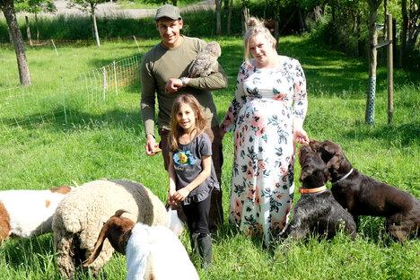 Tierheim-Leiter mit privater Farm