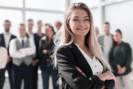 Arbeit und Bildung: Immobilienfirma sucht Verstärkung