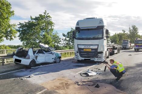 B169: Fahranfänger bei Unfall schwer verletzt