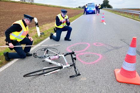 Rennradfahrer stürzt bei Lichtenhain