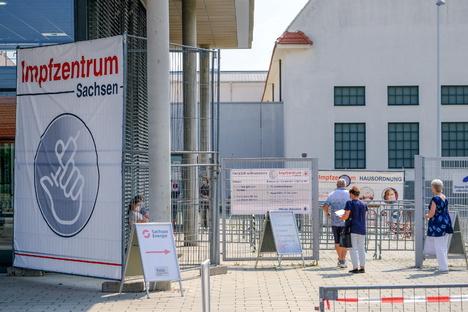 Deutschland & Welt: Corona: Tausende freie Impftermine in Sachsen