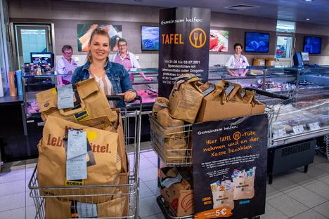 Döbeln: Edeka-Kunden spenden für die Tafel