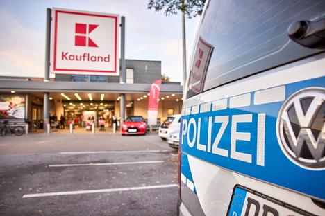 Festnahme in Pirna: Senior spickt Käse mit Schrauben