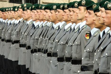 Freiwilligendienst soll Bundeswehr helfen