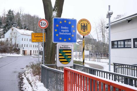Deutschland & Welt: Corona: Neue Einreiseregeln für Hochrisikogebiete