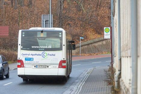 Mehr Sicherheit am Bushalt gefordert