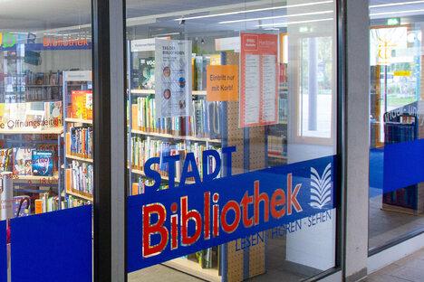 Sonnabends in die Heidenauer Bibliothek