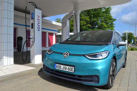 Wie fährt der 1. Elektro-VW aus Zwickau?