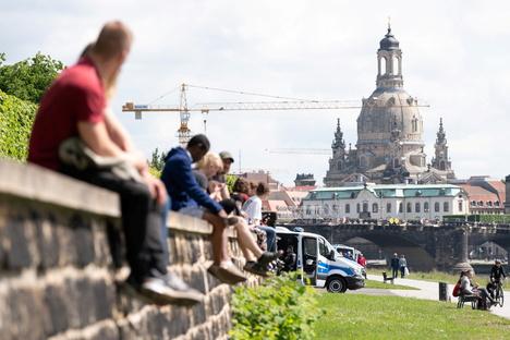 Deutschland & Welt: Corona-Inzidenz in Sachsen bleibt bei knapp über 5