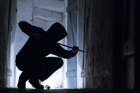 Dresden: Haftstrafen für drei Serieneinbrecher in Dresden