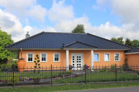 Bauen und Wohnen: Vielfältige Hauskonzepte von Elbe-Haus