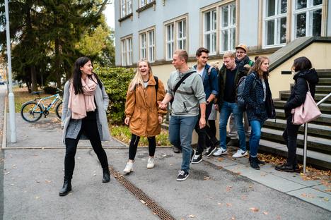 Arbeit und Bildung: Virtuelle Hochschulabende an HSZG