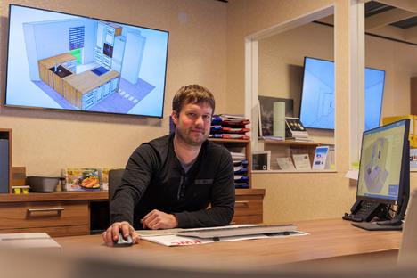 Einkaufen und Schenken: Küchenplanung gemütlich von der Couch