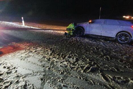 Pannenhelfer zerstört Auto - und haut ab