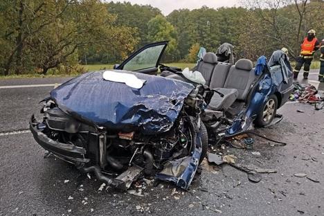 Lkw überholt: Sechs Verletzte nach Unfall