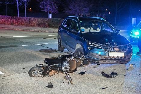 Mopedfahrer schwer verletzt