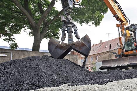 Altenberg: Asphalt als Schnäppchen?