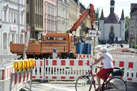 Vollbremsung beim Straßenbau